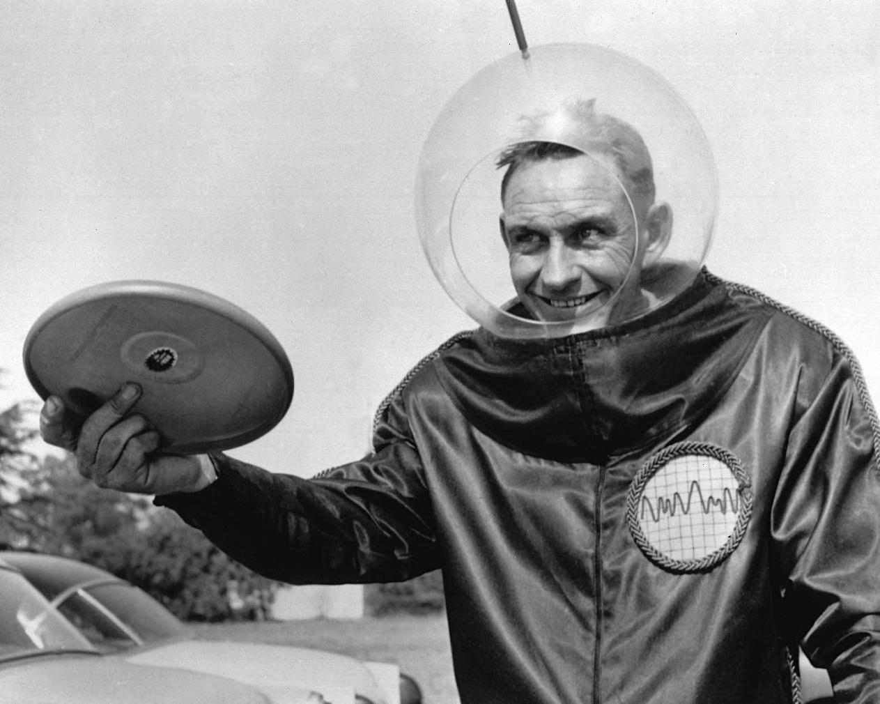 Walter Morrison's Pluto Platter